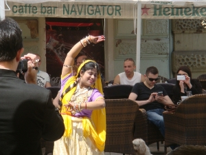 Indian dancer Gayatri at the Town square